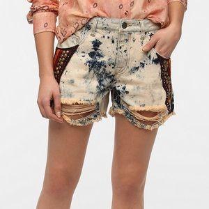 NEW UO BDG Freja Embellished Mid-Rise Shorts 27